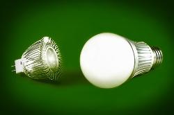 Un empresario español inventa una bombilla fabricada para durar toda la vida