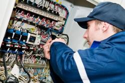 La revisión de las instalaciones eléctricas de los hogares reduciría 7.000 accidentes por instalaciones deficientes